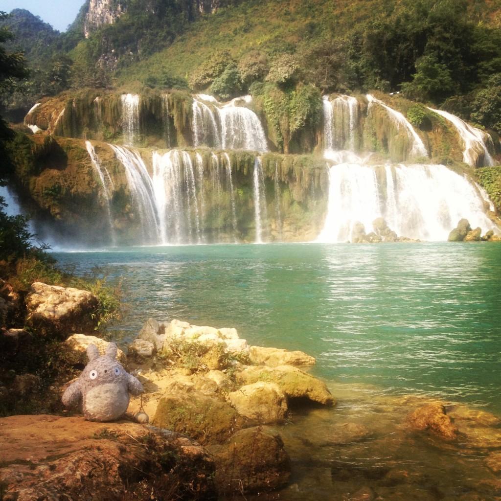totey at ban gioc waterfall